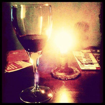 Wijn bij kaarslicht © Marion